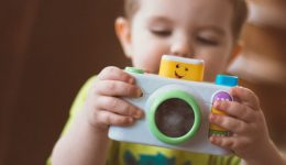 child-camera-1800